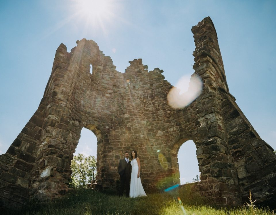 intimate castle wedding photography